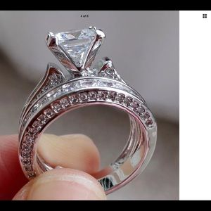 Jewelry - 925 Silver Plated Fashion engagement ring set